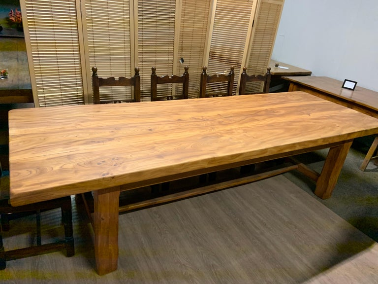 Large Wide Pale Elm Farmhouse Table In Good Condition For Sale In Billingshurst, GB