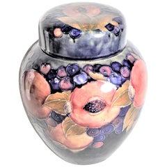 Large William Moorcroft Art Pottery Pomegranate Lidded Ginger Jar or Vase