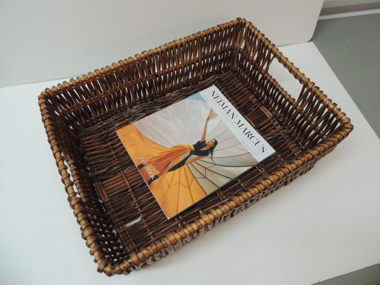 Large Willow Magazine Basket with Handles In Good Condition In Oakland Park, FL