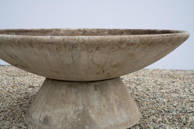 Large Willy Guhl Concrete Planter with Stand In Good Condition For Sale In Los Angeles, CA