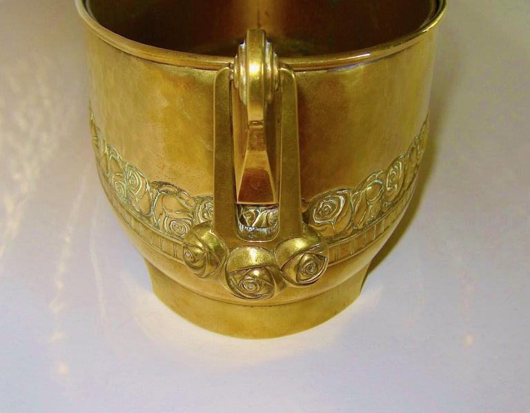 German Large WMF Art Nouveau Oval Planter in Golden Yellow Brass, circa 1910