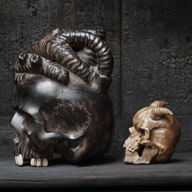 Large Wooden Hand-Carved Ebony Heart Skull and Small Demon Skull In Excellent Condition For Sale In Haarlem, NL