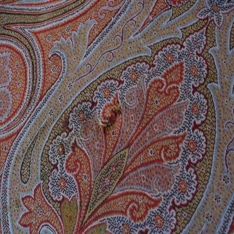 Large Woven Cashmere Paisley Throw Textile Shawl In Good Condition For Sale In Pataskala, OH