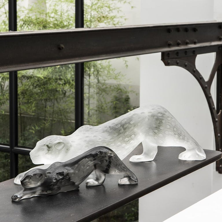 Large Zeila Panther Sculpture in Crystal Glass by Lalique In New Condition For Sale In New York, NY