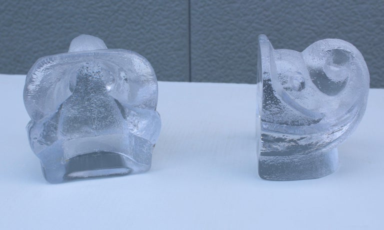 Swedish Lars Hellsten for Orreford Glass Elephant Bookends For Sale