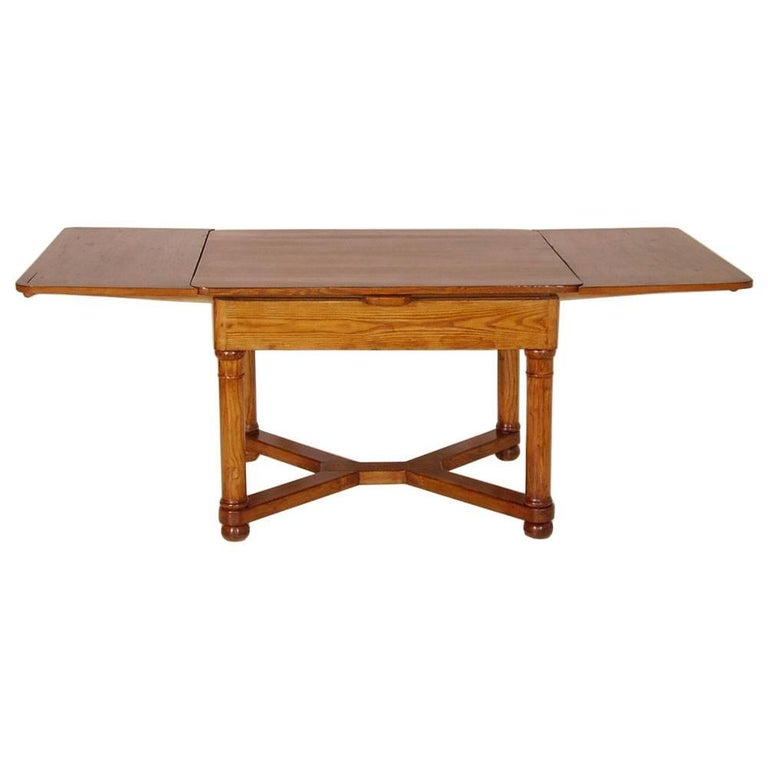 Last 19th Century Austrian Biedermeier Tyrolean Extending Table In Excellent Condition For Sale In Vigonza, Padua