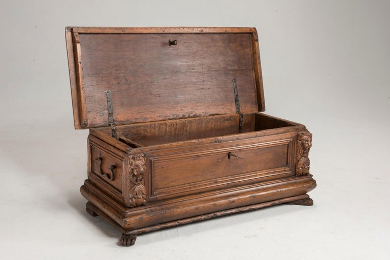 Renaissance Late 16th Century Walnut Wood Chest For Sale