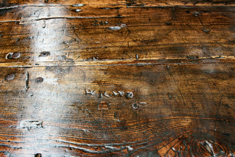 Hand-Carved Late 16th-Early 17th Century Welsh Oak Refectory Table For Sale