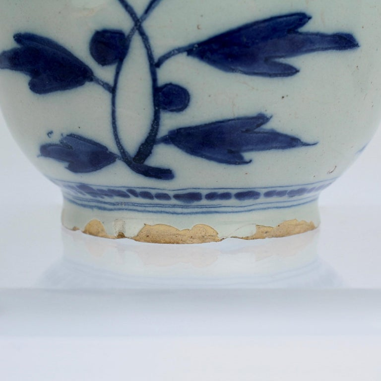 Late 17th-Early 18th Century Dutch Delft Vase or Jar Marked for Gerrit Kam For Sale 8