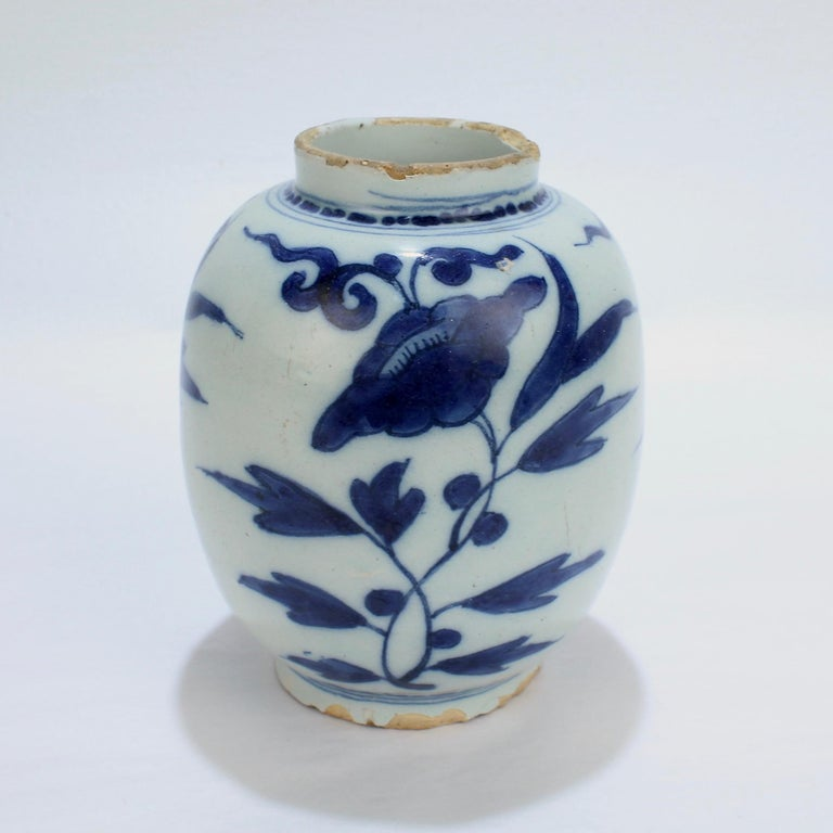 Late 17th-Early 18th Century Dutch Delft Vase or Jar Marked for Gerrit Kam In Good Condition For Sale In Philadelphia, PA
