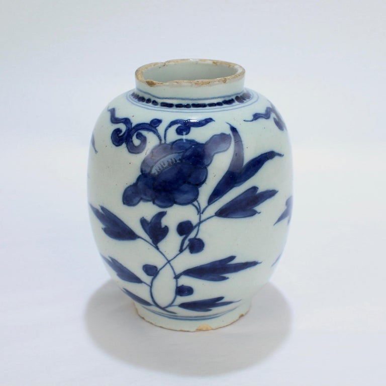 Late 17th-Early 18th Century Dutch Delft Vase or Jar Marked for Gerrit Kam For Sale 1