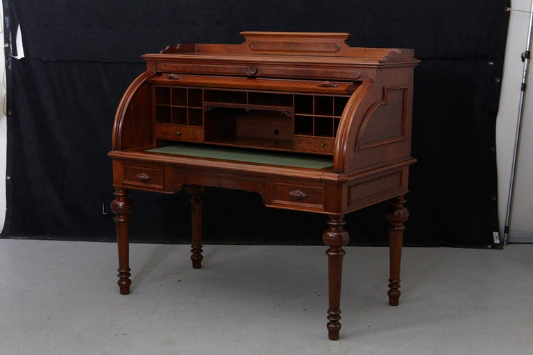 English Walnut Cylinder Desk with Pullout Writing Surface, circa 1870 In Good Condition For Sale In Weston, CT