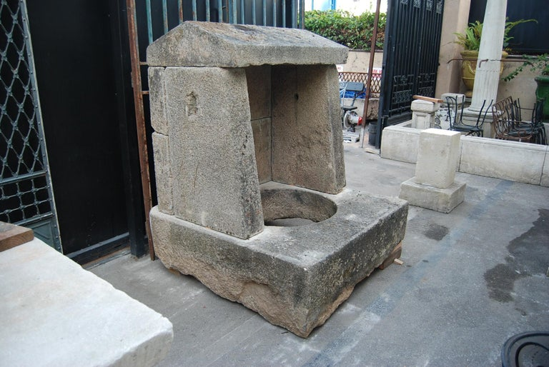 Wellhead Hand Carved Stone Planter Basin Antiques Fire Pit Niche Antique Melrose In Good Condition For Sale In West Hollywood, CA