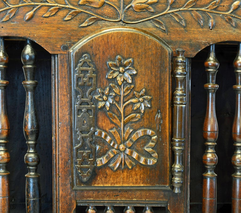 Late 18th Century French Provincial Carved and Turned Walnut Panetiere For Sale 2
