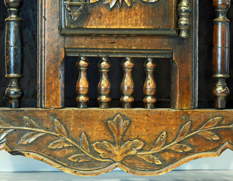 Late 18th Century French Provincial Carved and Turned Walnut Panetiere For Sale 4