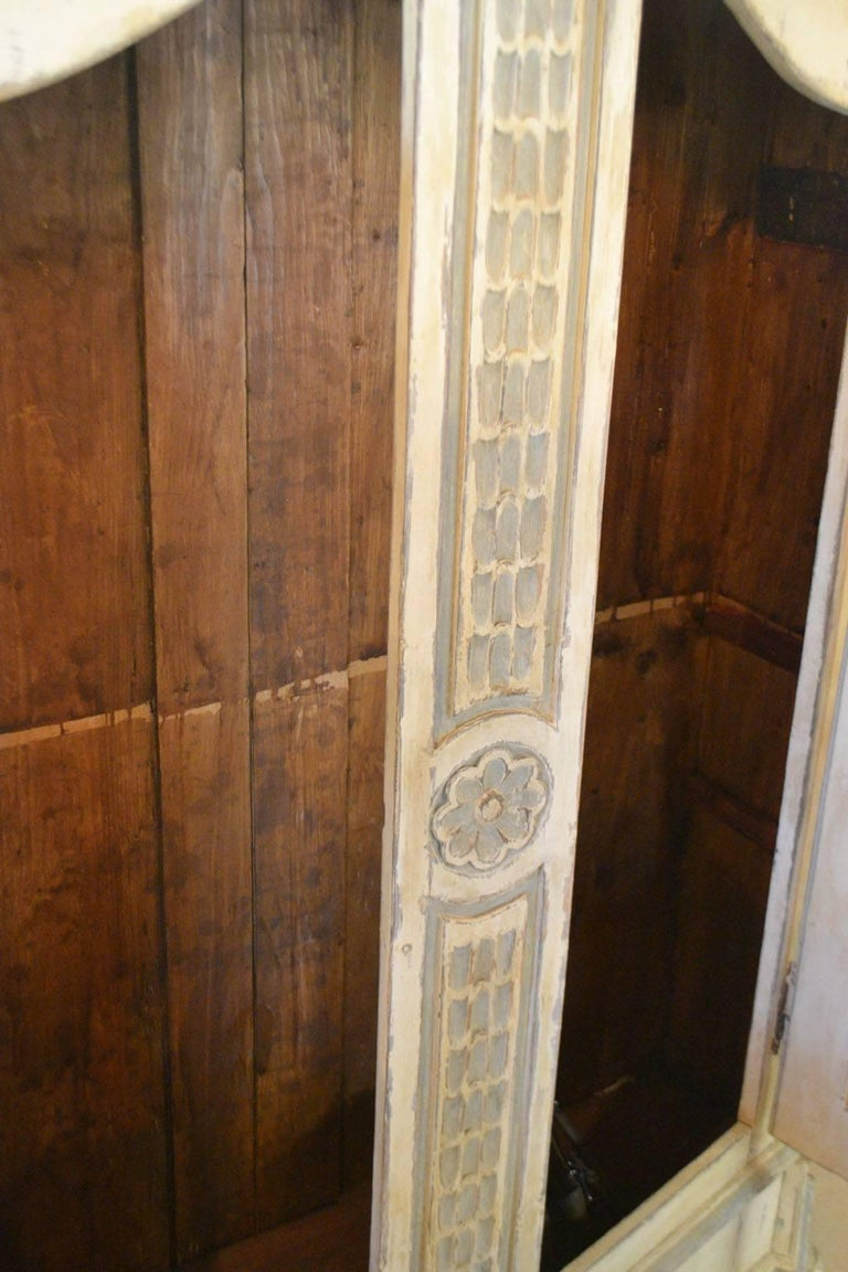 Late 18th Century Armoire in Painted Wood For Sale 1