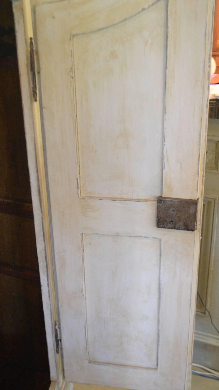 Late 18th Century Armoire in Painted Wood For Sale 4