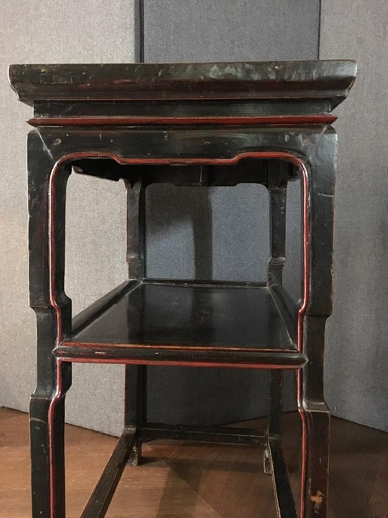 Chinese Export Late 18th Century Chinese  Export  Side Table in Black and Red For Sale