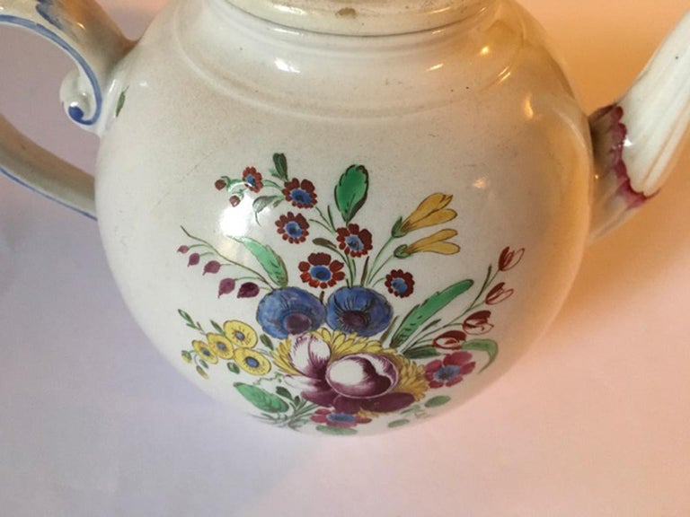 Late 18th Century Doccia Richard Ginori Porcelain Tea Pot with Floral Drawings For Sale 10