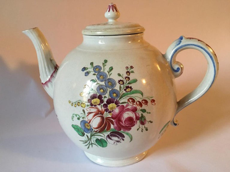 Doccia, Richard Ginori 1750 porcelain tea pot with multi-color floral drawings, Italy. This porcelain tea pot with multicolors floral drawing is an elegant piece, useful to enrich a services pieces collections. With Certificate of Authenticity