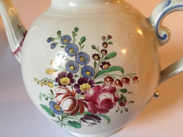 Baroque Late 18th Century Doccia Richard Ginori Porcelain Tea Pot with Floral Drawings For Sale