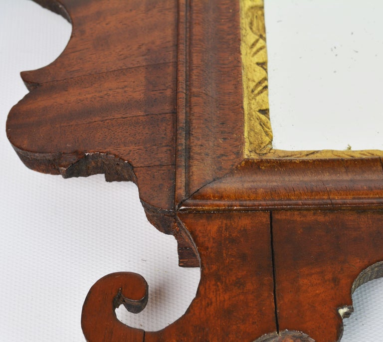 Late 18th Century English Chippendale Carved Mahogany and Parcel Gilt Mirror For Sale 6
