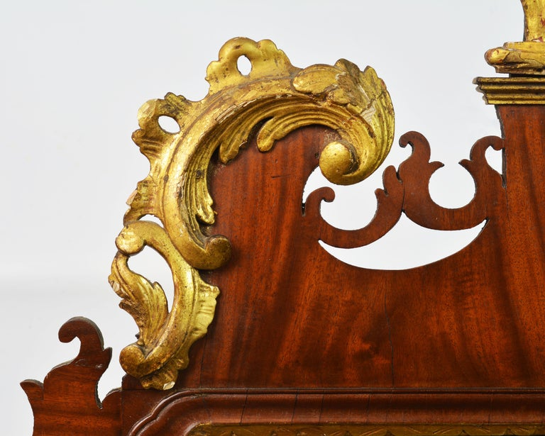 Late 18th Century English Chippendale Carved Mahogany and Parcel Gilt Mirror For Sale 1