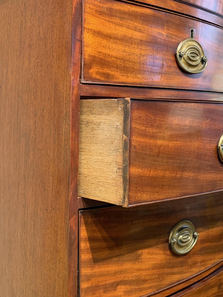 Late 18th Century English Mahogany Bowfront Chest on Chest For Sale 1