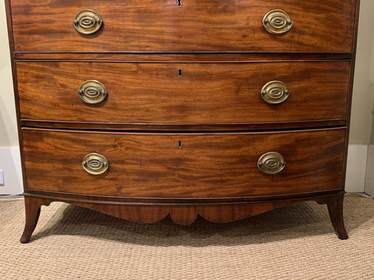 Late 18th Century English Mahogany Bowfront Chest on Chest For Sale 3