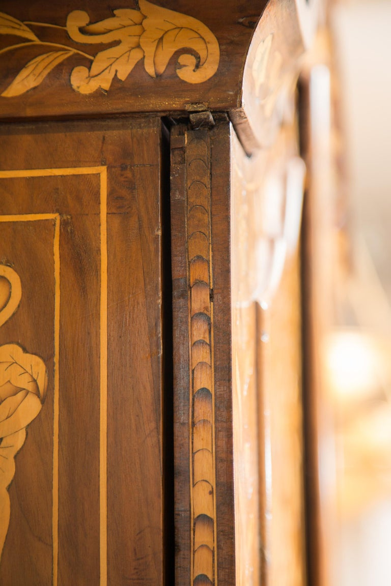 Late 18th Century English Walnut Marquetry Cabinet For Sale 5