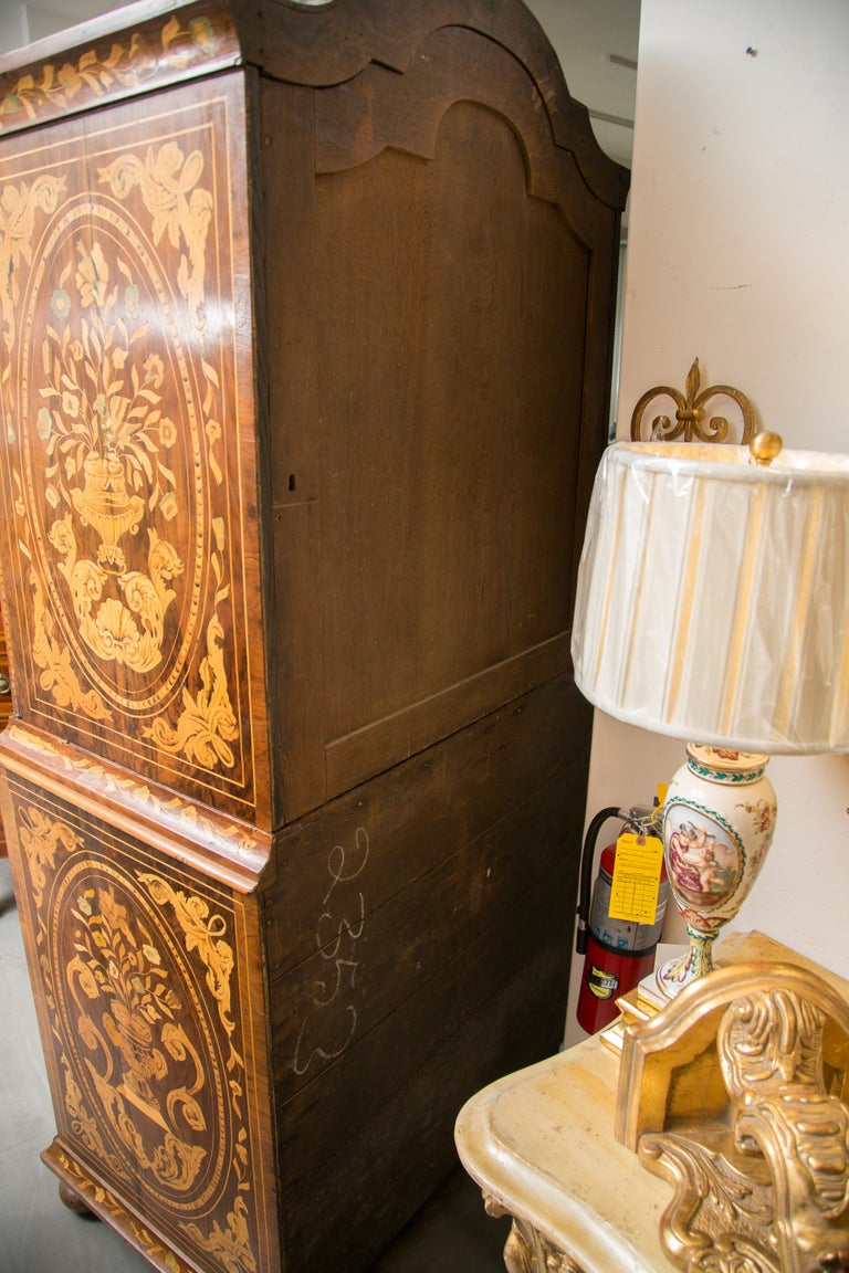 Late 18th Century English Walnut Marquetry Cabinet For Sale 7
