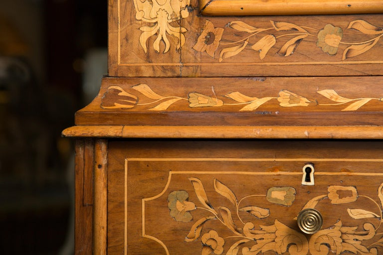 Late 18th Century English Walnut Marquetry Cabinet For Sale 10