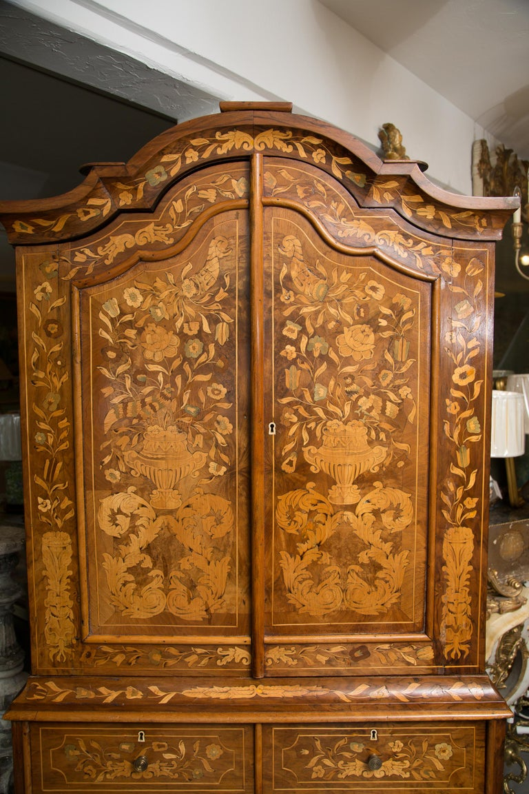 Late 18th Century English Walnut Marquetry Cabinet For Sale 13