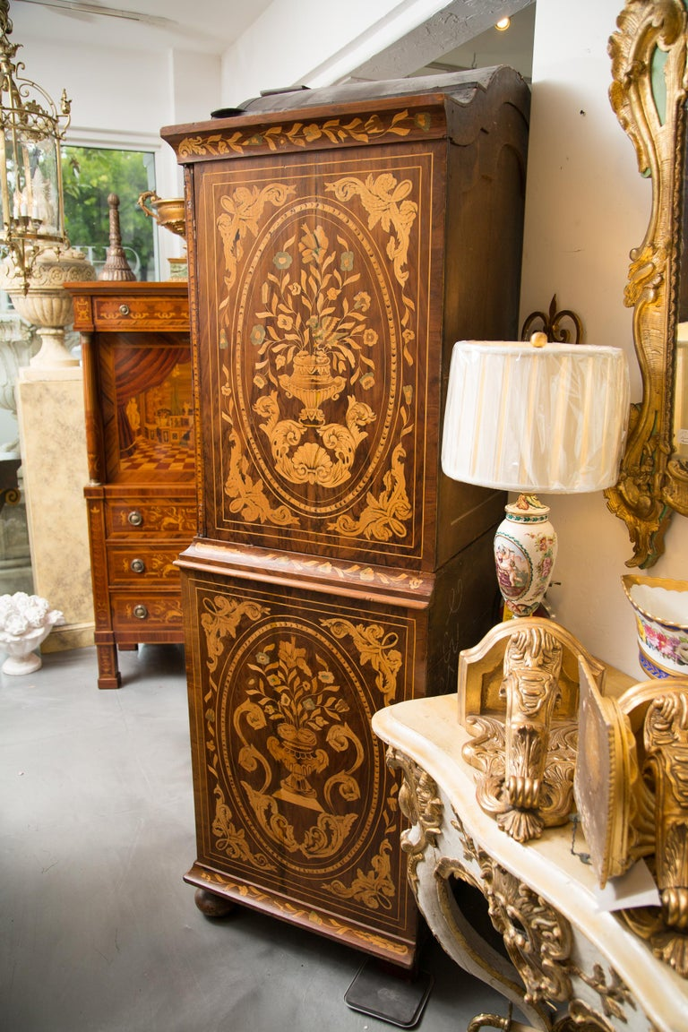 Late 18th Century English Walnut Marquetry Cabinet For Sale 4