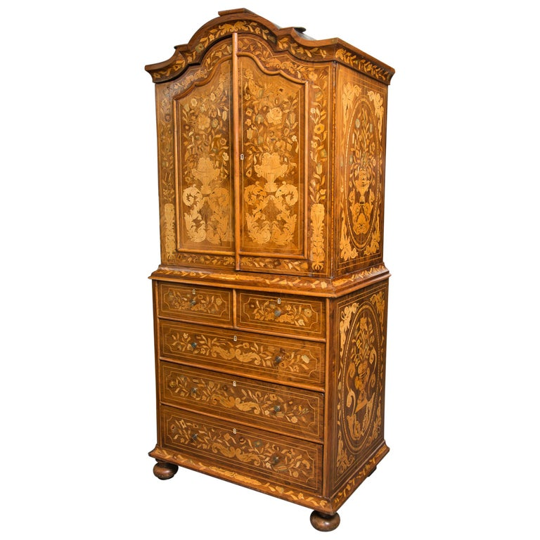 Late 18th Century English Walnut Marquetry Cabinet For Sale