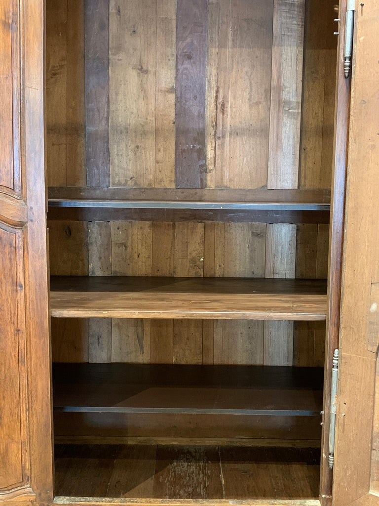 Late 18th Century French Armoire In Fair Condition For Sale In Kilmarnock, VA