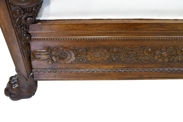 Late 18th Century French Directoire Daybed in Carved Mahogany with Upholstery For Sale 3