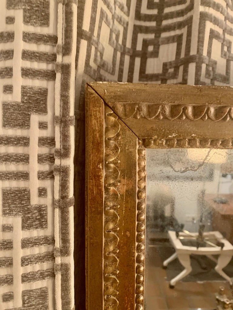 Late 18th Century French Louis XVI Carved Giltwood Mirror For Sale 7