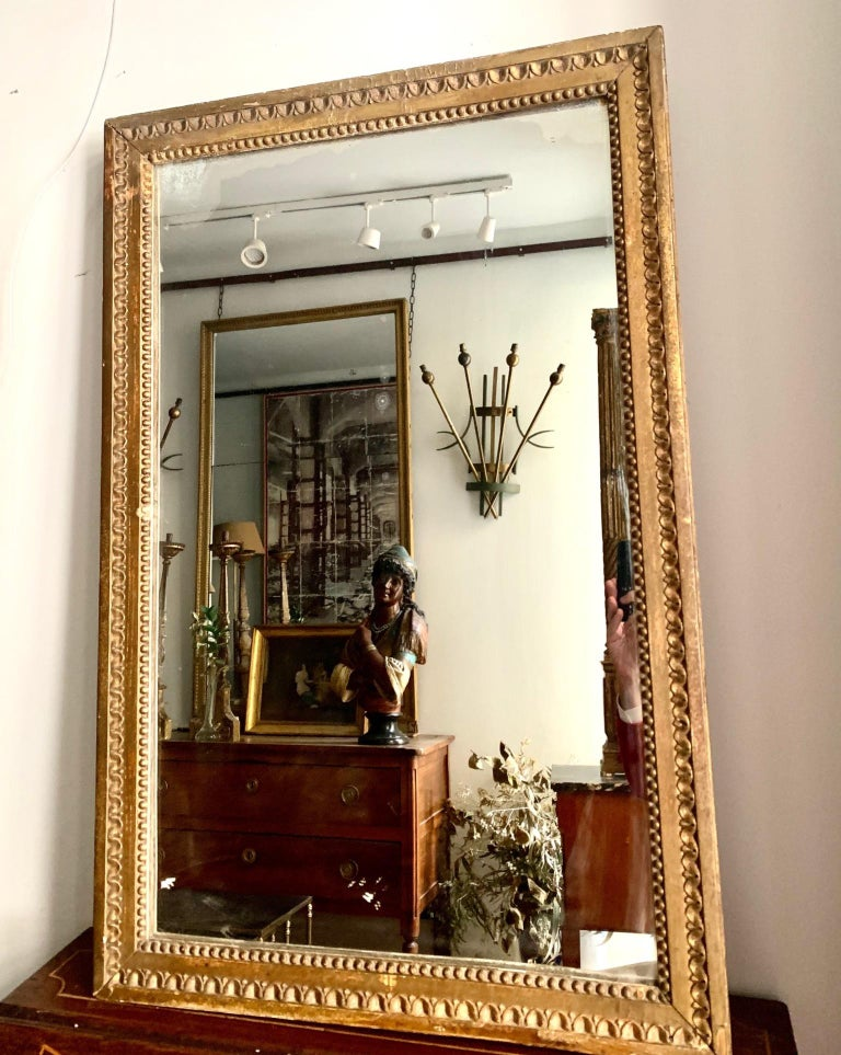 Late 18th Century French Louis XVI Carved Giltwood Mirror For Sale 12