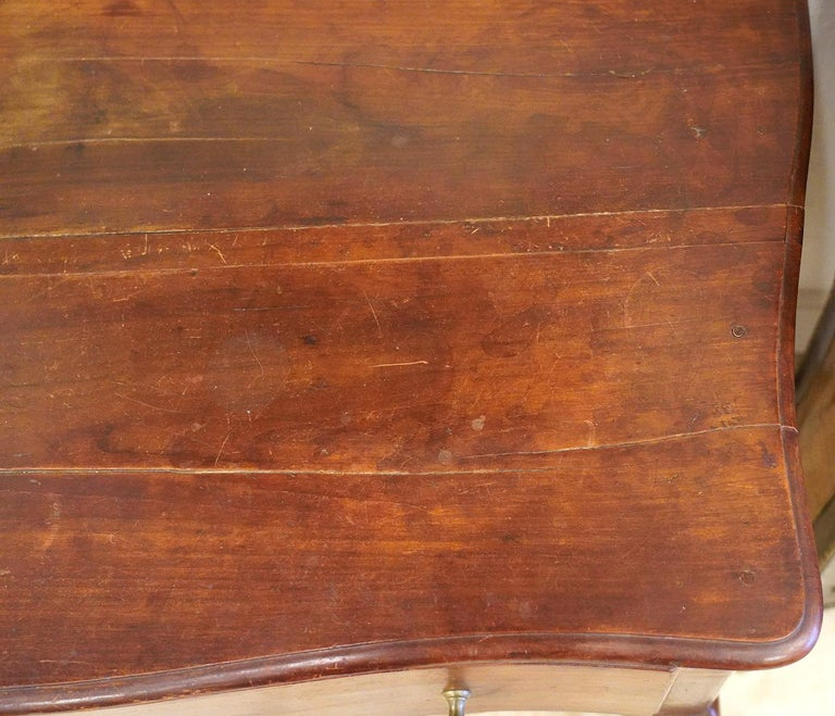 Late 18th Century French Provincial Cherry Serpentine One Drawer Console Table For Sale 1