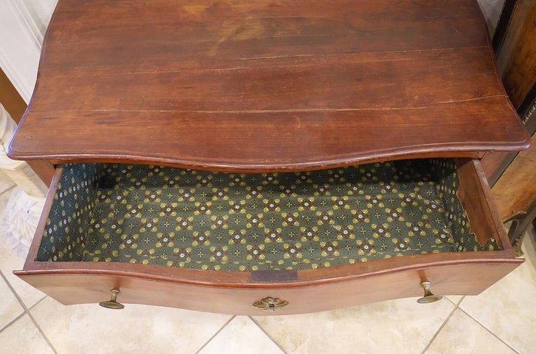 Late 18th Century French Provincial Cherry Serpentine One Drawer Console Table For Sale 3