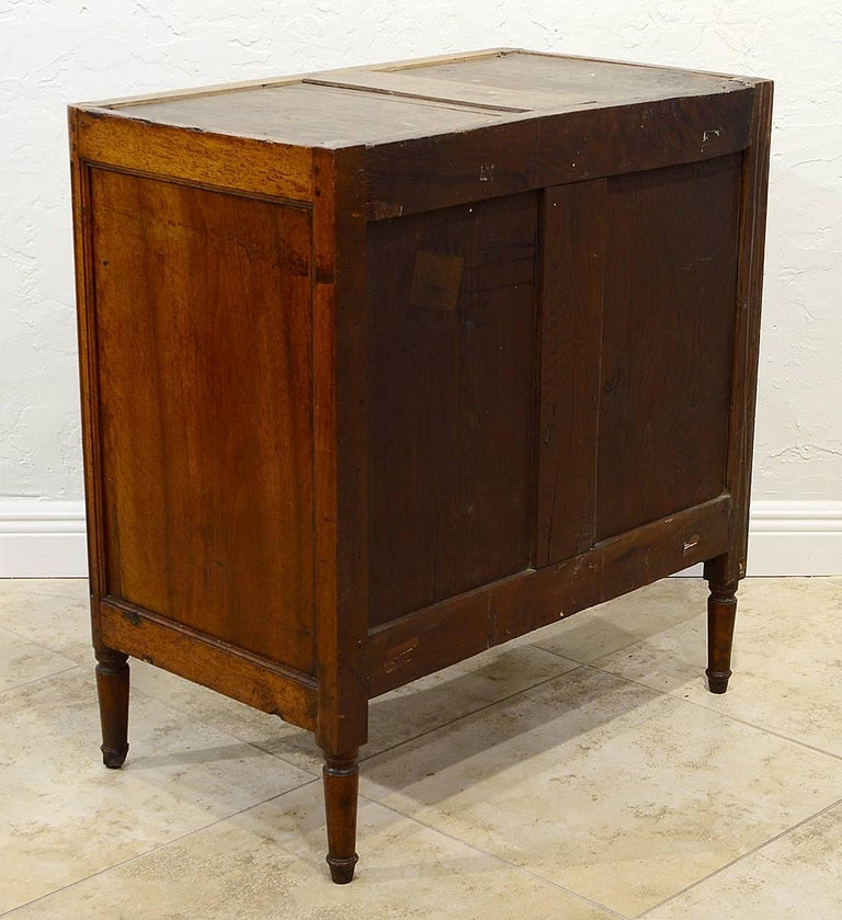 Late 18th Century French Provincial Louis XVI Three-Drawer Marble-Top Commode In Good Condition For Sale In Ft. Lauderdale, FL