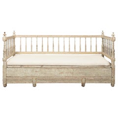 Late 18th Century Gustavian Painted White Daybed Sofa