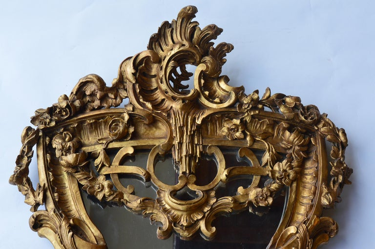 Italian Late 18th Century Hand Carved Wood Mirror For Sale