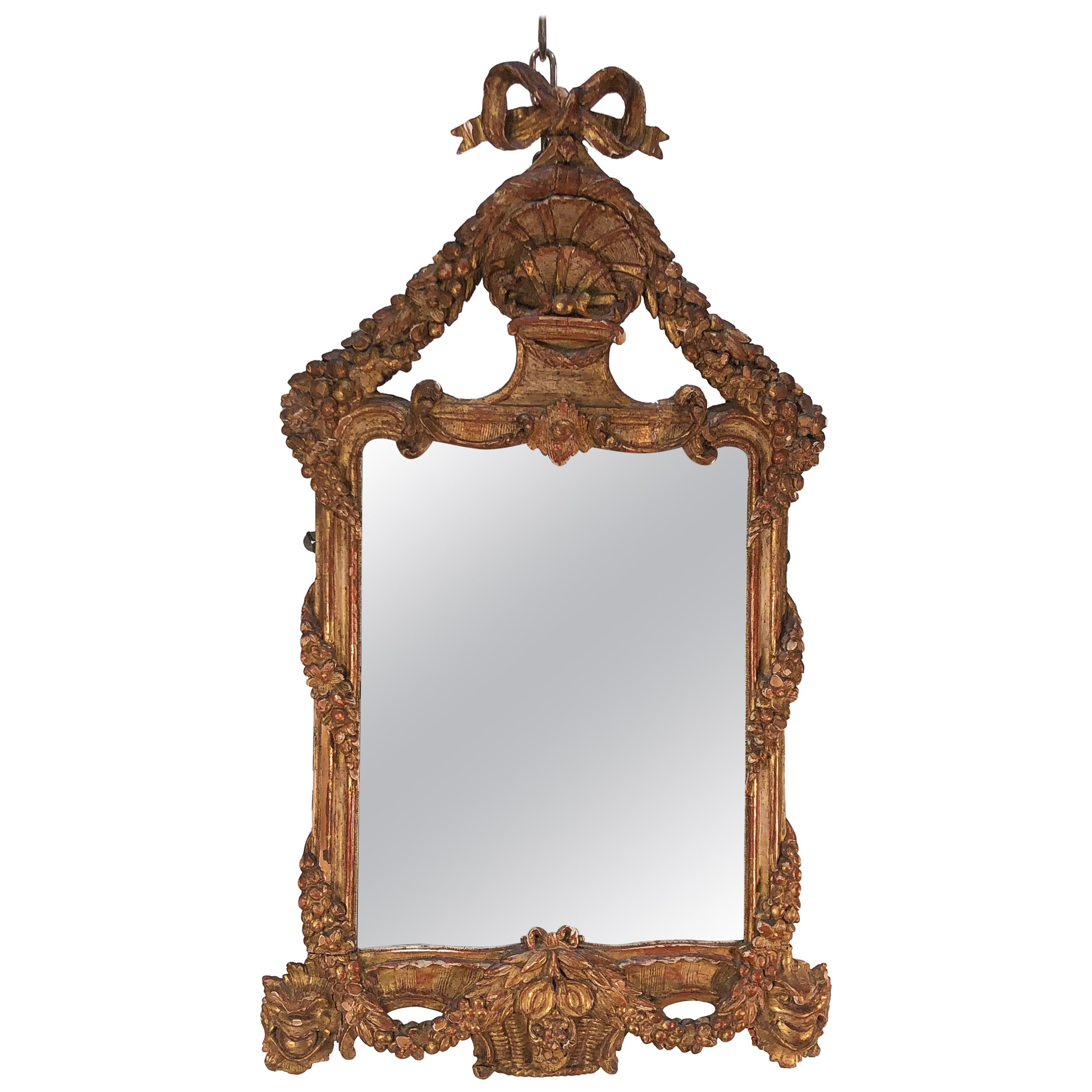 Late 18th Century Italian Neoclassical Carved Giltwood Mirror
