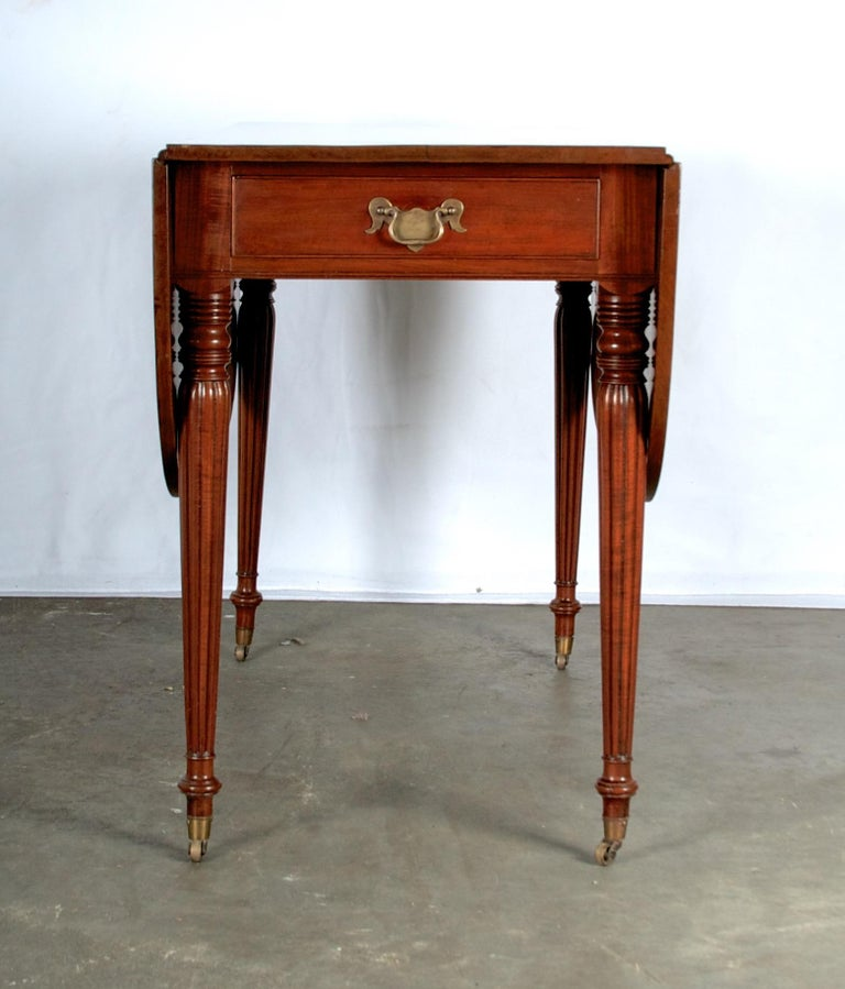Late 18th Century Mahogany Pembroke Dining Table For Sale 8