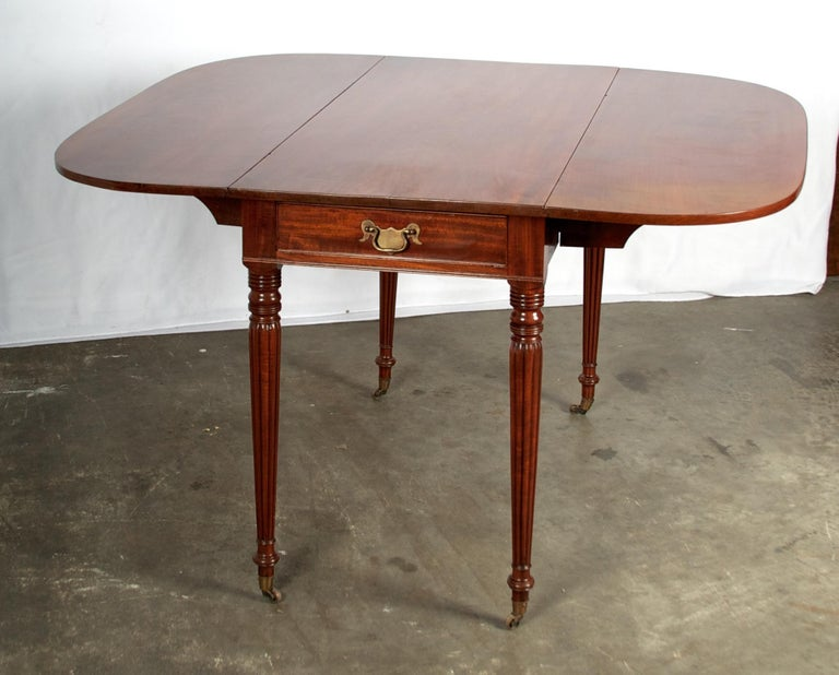 Late 18th Century Mahogany Pembroke Dining Table For Sale 11