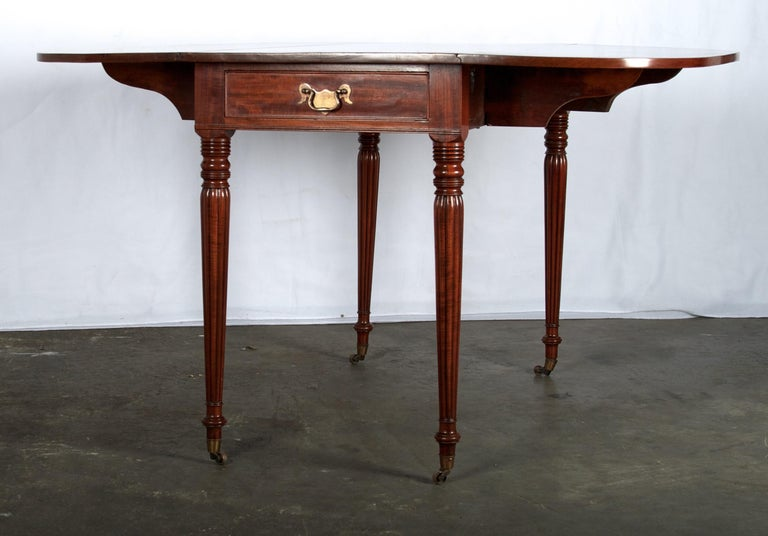 Late 18th Century Mahogany Pembroke Dining Table For Sale 12