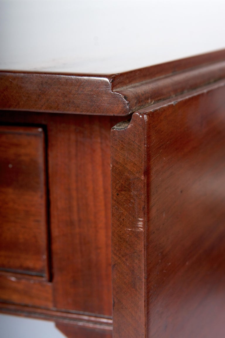 Late 18th Century Mahogany Pembroke Dining Table In Good Condition For Sale In San Francisco, CA