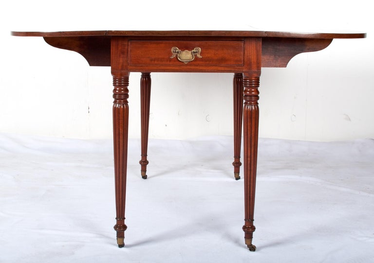 Late 18th Century Mahogany Pembroke Dining Table For Sale 1